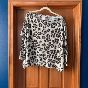 NWOT VICI poncho style leopard top